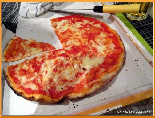 Esta pizza la compartimos pero no nos llenó