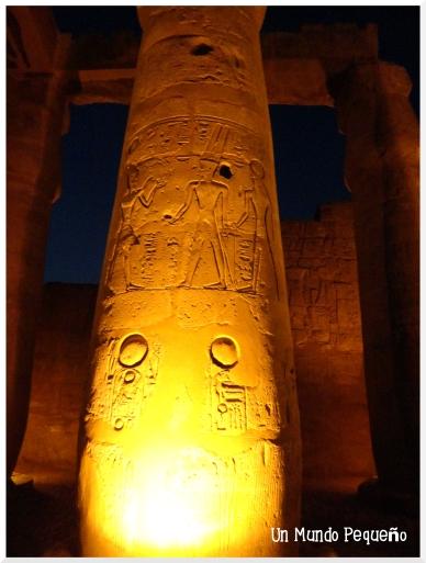 Templo de Luxor Columnas con jeroglíficos
