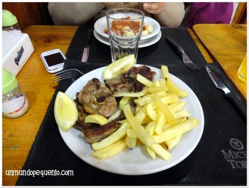 cordero patagonico con fritas